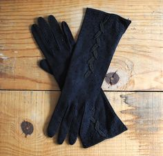 Your place to buy and sell all things handmade Ladies Gloves, Cold Weather Gloves, Vintage Gloves, Dress Gloves, Abaya Fashion, Oversized Sunglasses, Eye Glasses, Audrey Hepburn, Retro Style