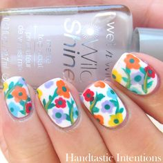 Handtastic Intentions: Nail Art: #31DC2014 Day 14 Flowers