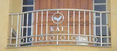 Xem 40 mẫu lan can ban công inox mặt tiền đẹp, sang trọng, hiện đại Balcony Grill Design, Balcony Railing Design, Glass Barn Doors, Metal Doors, Door Gate Design, Cute Cartoon Wallpapers, Home Interior Design, Stairs, Fence
