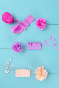 Streamer Flowers, Crepe Paper Streamers, How To Make Paper Flowers, Paper Flowers Craft, Flower Crafts, Diy Flowers, Party Streamers, Flower Diy, Tissue Paper