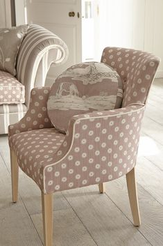 i like this soft colorway Colección de Vanessa Arbuthnott / Vanessa Arbuthnott Collection