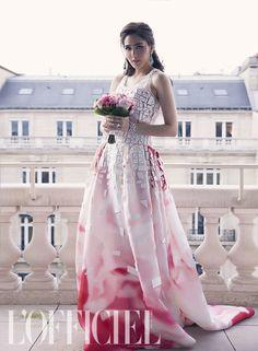 Araya A. Hargate for L'Officiel Thailand Nice Dresses, Formal Dresses, Amazing Dresses, Thailand Wedding, Carolina Herrera, Dress To Impress, Editorial Fashion, Glamour, Gowns