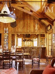 Timeless ranch house with exquisite details in the Sierra Nevadas Residential Interior Design, Home Interior Design, Headboard Decor, Cabin In The Woods, Cabin Homes, Log Homes, The Ranch, Rustic Style, Western Style