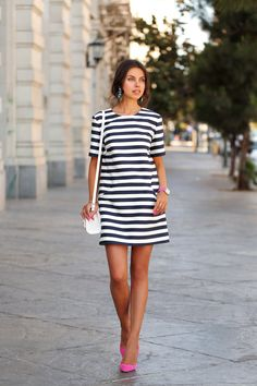 Stylish casual stripe short sleeve mini dress for the stylish fashionista Trendy design offers a unique stylish look Great for the workplace or casual outings Made from high quality material Casual Chic, Stylish Outfits, Fashion Outfits, Stylish Clothes, Dress Fashion, Teens Clothes, Workwear Fashion, Stylish Dresses, Belle Silhouette