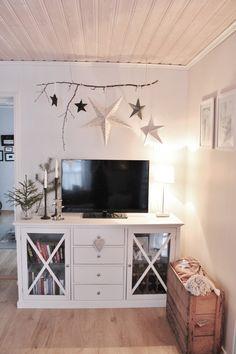 Stars DIY paper - Scandinavian interior Star Diy, Scandinavian Interior, Diy Paper, Flat Screen, Stars, Storage, Christmas, Furniture, Home Decor