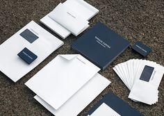 Aufregendes Corporate Design in Wien, Berlin & Budapest Corporate Design, Cards Against Humanity, Product Design, Brand Design, Branding Design