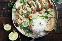 This Green Curry Pork Tenderloin feels special, but comes together so quickly and easily! Perfect for a weeknight dinner or special enough for company. Recipe here - Thai Green Curry Pork Tenderloin Y