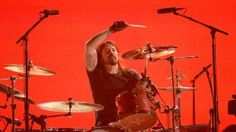 Dave Grohl Rehabbing His Broken Leg With Led Zeppelin Music