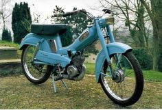 yessssss I want a vintage moped just like this!
