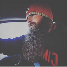 Oh my god would you look at that beard Becky! It's like sooo long!! Not to mention fondle worthy and oh so beautiful!!