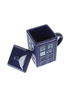 Doctor Who TARDIS mug <------ I want this so much it's not even funny!