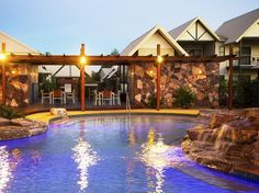 Kununurra Freshwater East Kimberley Apartments Australia, Pacific Ocean and Australia Stop at Freshwater East Kimberley Apartments to discover the wonders of Kununurra. The hotel offers guests a range of services and amenities designed to provide comfort and convenience. Facilities like free Wi-Fi in all rooms, 24-hour front desk, facilities for disabled guests, luggage storage, Wi-Fi in public areas are readily available for you to enjoy. Comfortable guestrooms ensure a good ...