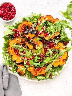Roasted Acorn Squash Salad - Living Well With Nic Vegan Dessert Recipes, Healthy Recipes, Asparagus Beans, Garlic Kale, Mediterranean Pasta, Squash Salad, Winter Salad, Vegetarian Chili, Recipes
