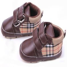 Baby Boy Plaid Shoes - Gifts For Babies and Toddlers Cute Baby Boy, Baby Kind, Cute Baby Clothes, Baby Love, Cute Babies, Baby Boy Shoes, Boys Shoes, Baby Boy Outfits, Kids Outfits