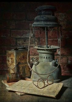 Beautiful and Handsome – Pin Old Lanterns, Vintage Lanterns, Abandoned Houses, Abandoned Places, Objets Antiques, Rusty Metal, Foto Art, Still Life Art, Oil Lamps