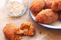 Image result for suppli Mozzarella, Cornbread, Muffin, Breakfast, Ethnic Recipes, Food, Image, Millet Bread, Morning Coffee