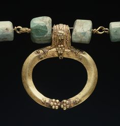 Necklace with Lunula, Imperial Roman 1st century AD, gold and agate