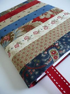 Best Quilting Projects for DIY Gifts - DIY Journal Cover - Things You Can Quilt and Sew for Friends, Family and Christmas Gift Ideas - Easy and Quick Quilting Patterns for Presents To Give At Holidays, Birthdays and Baby Gifts. Step by Step Tutorials and Notebook Covers, Journal Covers, Quilting Projects, Sewing Projects, Christmas Journal, Christmas Gifts, Christmas Ideas, Christmas Baskets, Christmas Neighbor