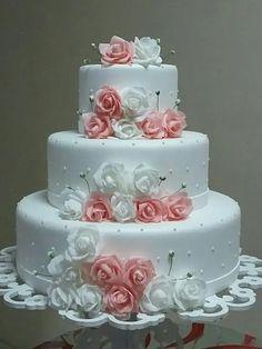 Bolo Fake Eva Casamento Rosa Branco Vermelho Lilás Azul | Mercado Livre Extravagant Wedding Cakes, Pretty Wedding Cakes, Wedding Cake Roses, Wedding Cake Photos, Wedding Cakes With Flowers, Pretty Cakes, Beautiful Cakes, Wedding Bouquets, Beautiful Bride