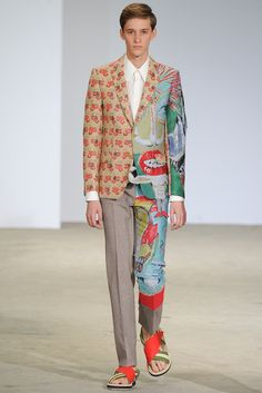 Walter Van Beirendonck - Spring 2015 The complete Walter Van Beirendonck Spring 2015 Menswear fashion show now on Vogue Runway. Weird Fashion, Look Fashion, Fashion Art, High Fashion, Fashion Show, Fashion Outfits, Mens Fashion, Fashion Design, Fashion Weeks