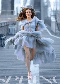 RED REIDING HOOD: Carrie Bradshaw Brooklyn Bridge Sarah Jessica Parker baby blue dress fashion inspiration Vogue Style editorial look