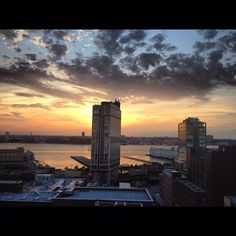 Sunset or sunrise? That is the question. #Meatpacking