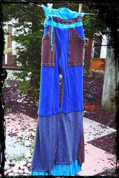 T-Shirt Pants in Blues & Brown