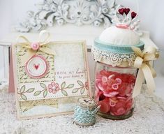 Love this mason jar pincushion filled with buttons!  Great idea from my favorite blogger!! :)