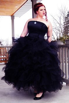 Just loving this! Giant Tulle Petticoat Bridal Wedding Skirt Plus Size-3x-5x custom to your Size white or black.