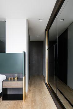 M Oostduinkerke is a minimalist interior located in Oostduinkerke, Belgium, designed by Frederic Kielemoes Modern Home Interior Design, Luxury Homes Interior, Interior Architecture, Minimalist Home Decor, Minimalist Interior, Minimalist Scandinavian, Minimalism Living, Decorating Your Home, Interior Decorating