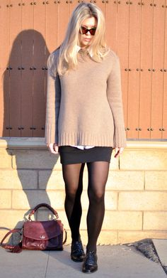 Over-sized sweater and bandage skirt // I love the Cynthia Rowley bag!