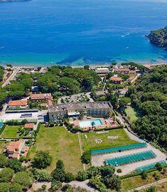Itálie, ostrov Elba, Hotel Le Acacie. Dovolená u moře, hotel 4*, přímo u pláže, bazén pro děti i dospělé, parkoviště, wifi, restaurace a bar, tenisové kurty.