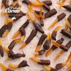 Laranja confitada com chocolate Chocolate, Breakfast, Food, Bonbon, Orange, Sweets, Recipes, Truffles, Morning Coffee