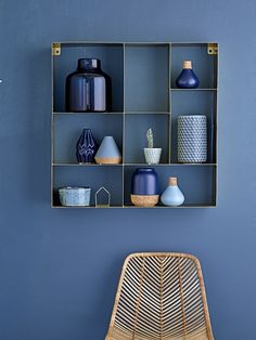 Walls and indigo accessories for your decor - inspiration showcases July 2016 - Blue Rooms, Blue Walls, Indigo Walls, Home Interior, Interior Decorating, Natural Interior, Decorating Bedrooms, Interior Plants, Decorating Games