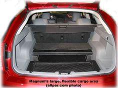 Dodge Magnum cargo area