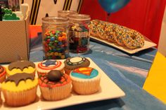 super heroes' lego birthday party for a 7 years old - edible decorations