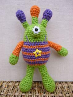 Bug Eyed Monsters Amigurumi Crochet Pattern by mojimojidesign, $4.20