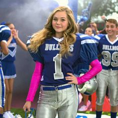 """MEET THE NEW QB! 'Bella  Dawson' played by actress Brec Bassinger! Nickelodeon's new tv show """"Bella & The Bulldogs coming in January 2015 on Nickelodeon! I can't wait!!!!"""