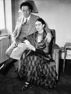 Фрида Кало с супругом Диего Риверой, 1932