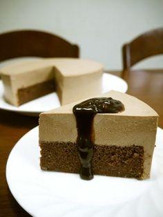 チョコのババロアをアレンジしてムースケーキに☆チョコの甘さだけで作ったムースがふんわりして口溶け滑らかぁ❤ウマウマです♪