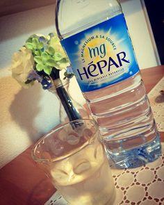 #シェア #Instagram  @yutini3 お風呂上がりの一杯は フランス産硬水hepar✨  硬水なのに意外と飲みやすい♡ 天然のマグネシウム・カルシウムを豊富に含んでいるので、ミネラル補給ができるんです内側からすっきりキレイにセルフケア♡ #hepar #エパー #超硬水エパー #ミネラルウォーター #ミネラル補給 #内側からキレイに #次は #heparでデトックスウォーター