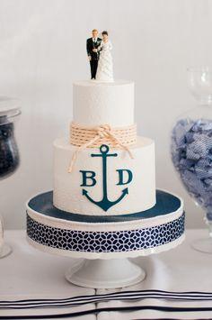 wedding cake idea; Limelife Photography