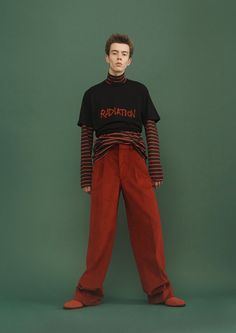 Japanese fashion brand John Lawrence Sullivan looks to the punk rock subculture of the 1980s and 90s for the inspiration of its fall-winter 2016 men's collection. The rebellious energy results in a range that marries modern tailoring with a playful spontaneity. Providing for an undeniable punk moment, the brand furnishes striped tees, leather biker jackets …