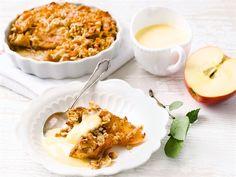 Erilaiset omenoista tehdyt paistokset ovat syksyn suosikkeja. Paistos sopii jälkiruoaksi tai kahvin kanssa tarjottavaksi.