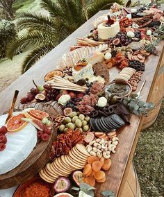 Guilty Pleasure Platters Charcuterie Recipes, Charcuterie And Cheese Board, Charcuterie Wedding, Charcuterie Platter, Party Food Platters, Cheese Platters, Grazing Tables, Cake Decorating, Food And Drink