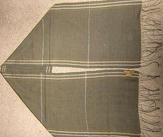 Ein kostbarer #Schal aus einem Stoff, gewebt aus edler #Seide und #Babyalpaka #Wolle. Federleichte Eleganz, passend zu jeder Gelegenheit.