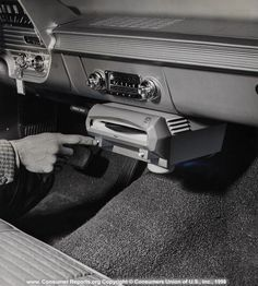 car record player 1961 via www.consumerreports.org