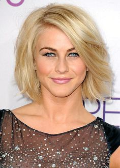 Best Celebrity Haircuts: From Short to Long Pictures - Julianne Hough - Up Hairstyles, Pretty Hairstyles, Stylish Hairstyles, Julienne Hough, Melena Bob, Julianne Hough Short Hair, Medium Hair Styles, Short Hair Styles, Celebrity Haircuts