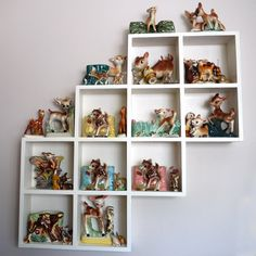 A lot of vintage deers.... I love this collection!!!!