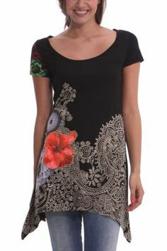 Desigual Women's Alacant long-sleeved T-shirt. The mandalas and satin flowers are outlined with rhinestones to stand out. One of our classics reworked for this season.